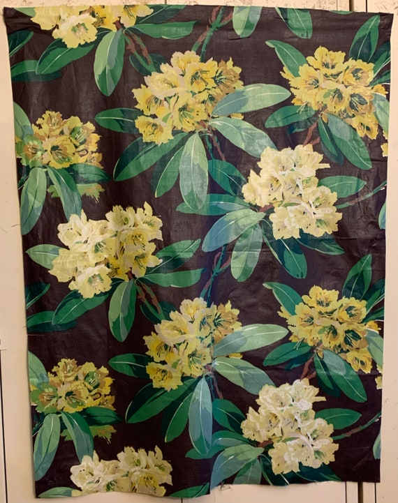 Beautiful 20th Century American Cotton Floral Fabric (3349)