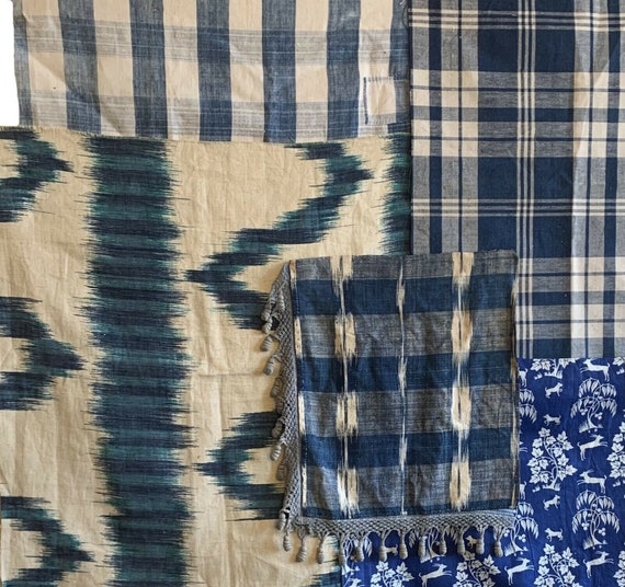 Beautiful collection of 4 French linen cotton 18th 19th C. ikats plaids 5205