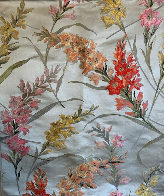Beautiful rare 19th C. French silk/satin jacquard floral woven 5083
