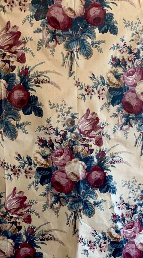 Beautiful 20th C. 1940's French printed floral cotton chintz fabric 5105