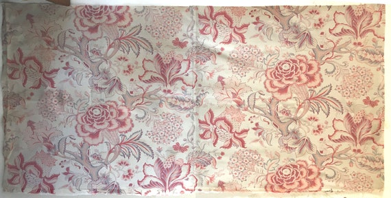 Antique Beautiful 19th C. French Printed Cotton Jacobean Floral Fabric (3014)