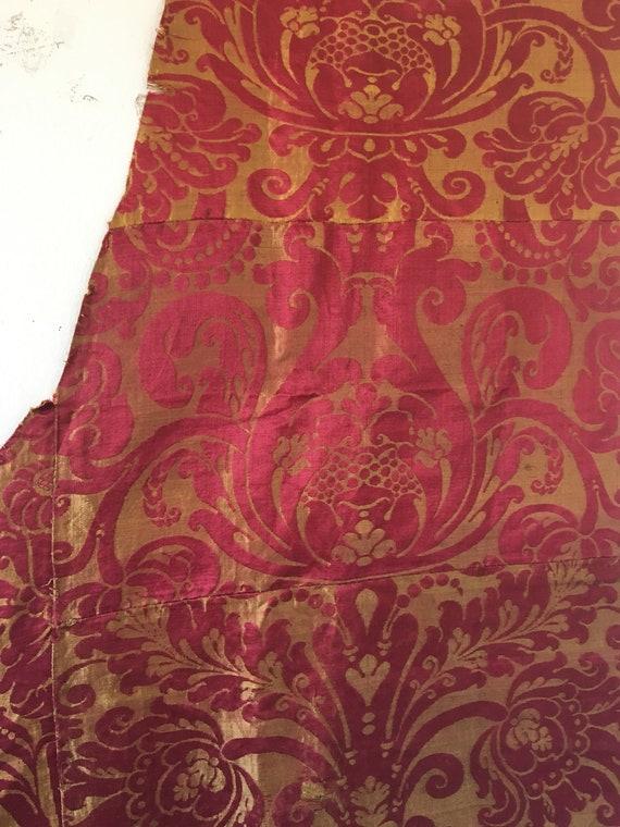 Beautiful Rare Italian Renaissance Silk Woven Damask Fabric (2386)