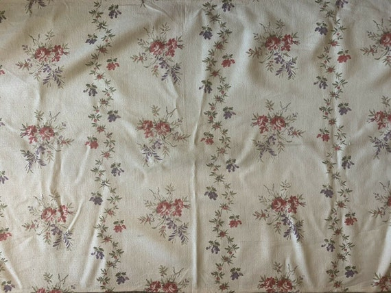 Charming 20th Century French cotton floral fabric 5236