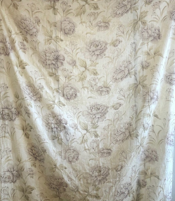 Beautiful Early 20th Cent. French Printed Cotton Floral Fabric (3022)