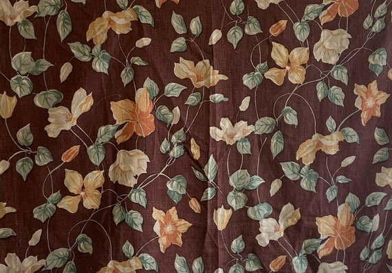 Beautiful 20th Cent. French linen floral fabric 5242