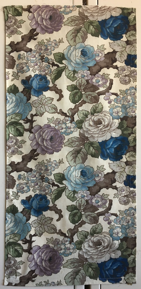 Beautiful 1930's French Printed Cotton Floral Fabric (2736)