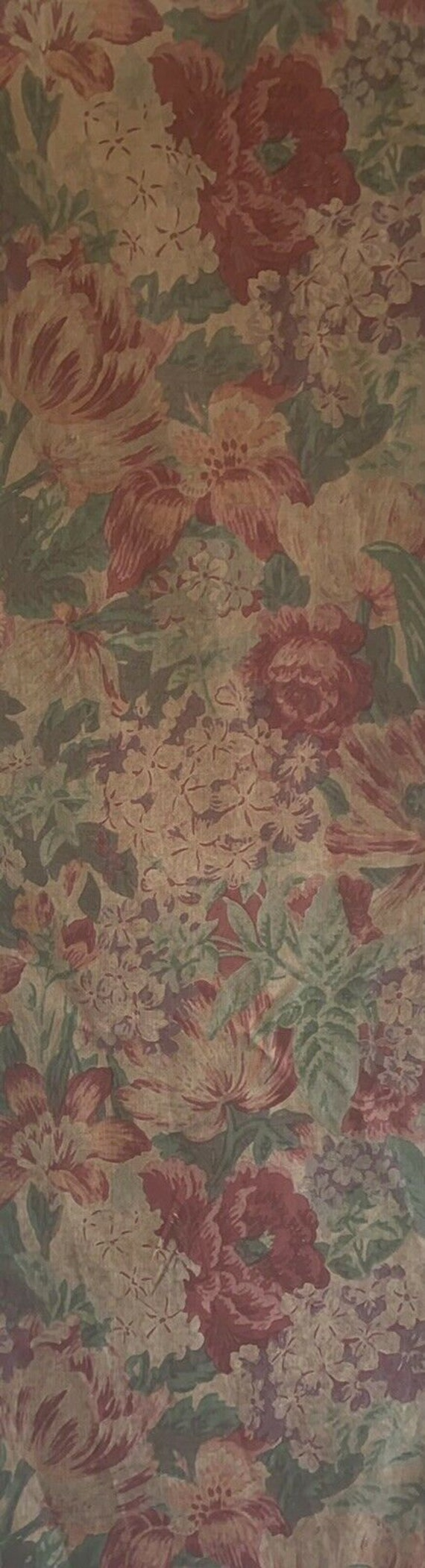 Beautiful 1920's French printed cotton packed floral fabric 5235