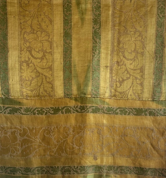 Beautiful rare late 18th or 19th C. French silk and linen woven fabric 5106