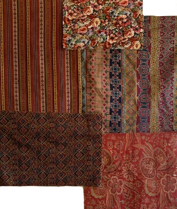 Wonderful collection of 5 French 20th Century printed fabrics 5142