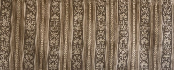 Beautiful 19th cent. French striped linen woven jacquard fabric 5134