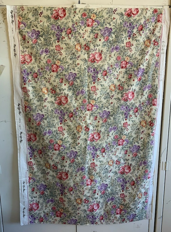 Beautiful 1940's French Printed Floral Fabric 4013