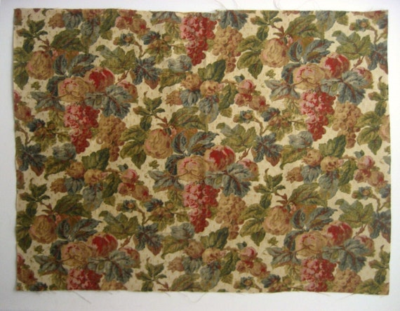 Beautiful Late 19th/ Early 20th C. French Linen Print Floral Fabric (9428)