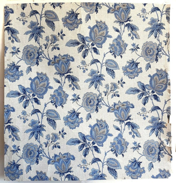 Beautiful Early 20th Century French Floral Jacobean Wallpaper (3193)