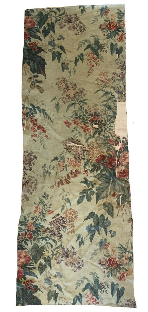 Beautiful 19th Cent French floral cotton chintz fabric 5612