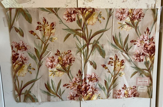 Beautiful 19th Century French Botanical Floral Cotton Fabric (3192)