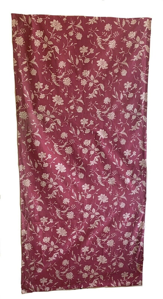 Beautiful 20th Cent. French cotton monotone floral fabric 5403