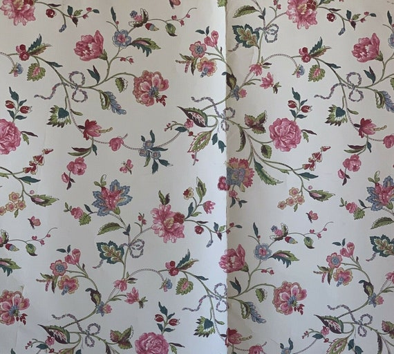 Beautiful Early 20th Cent. French exotic floral wallpaper 5067
