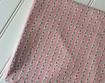 Marcus-Brothers-Fabric-By-The-Yard-Gingham Gardens Ticking Rose-Quilting-Fat-Quarters-Sewing-DIY-Projects-Crafts-Supplies