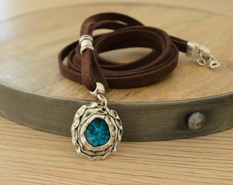 Brown Leather Wrap Necklace with Hammered Turquoise Enamel Charm Coin, Leather Wrap Choker Necklace, Delicate boho southwestern