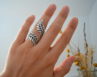 Bohemian Silver FERN Leaf Knuckle Ring, Silver Knuckle Midi fern leaf ring, Silver Stackable Ring, Silver Adjustable Ring, US size 6-7 inch
