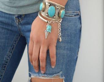 Bohemian Silver TURQUOISE CUFF, Vintage Tibetan Nepalese turquoise howlite bead bangle cuff bracelet, Native American Navajo inspired Bangle