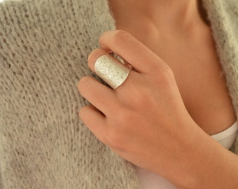 Minimalist Silver Hammered Abstract Ring, Boho Modern Midi Ring, Band, Unique Affordable Forged Adjustable Ring Stocking Filler, US 7-8 inch