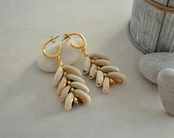 Natural Cowrie Shell Hoop Earrings, Gold / Silver Dangling Push Back Minimalist Geometric Dainty Trend Thick hoop earrings, Gift for her