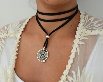 Black Leather Wrap Necklace with Antique Silver Coin, Southwestern Suede Choker Tie Up Bolo Bohemian Leather Jewelry Cowgirl style