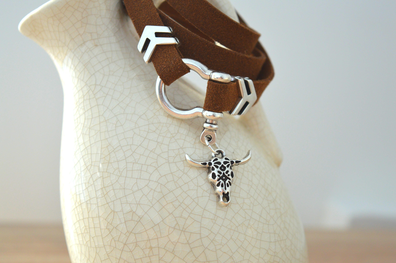 Boho Hippie Southwestern style Dark Brown Leather Wrap Bracelet with Bull Head charm Climbing Clasp 3 Times Arrows Wrap Bracelet