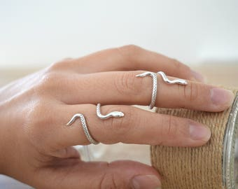 Bohemian Silver Snake Knuckle Midi Pinky Ring, Silver Stackable Animal Ring, Silver Adjustable Ring, Gift for Her
