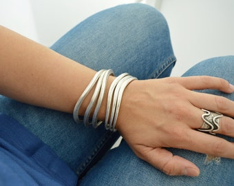 Bohemian Silver Thick OVAL HAMMERED bangle cuff, wavie shaped stacking bangle, Minimalist Arm Party Bangles, Free People Style Jewellery