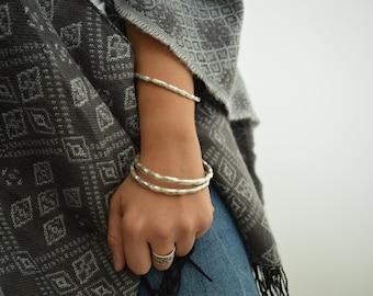 Silver THICK ROUND HAMMERED bangle cuff, circle shaped stacking bangle bracelets, Minimalist Arm Party Bangles, Boho Bohemian Hippie Dainty