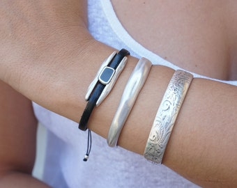 Thick Silver Hammered Slider wt Enamel Stone Leather Wrap Bracelet, Native American Style Jewelry, 6.5-8 wrist size adjustable bracelet Gift