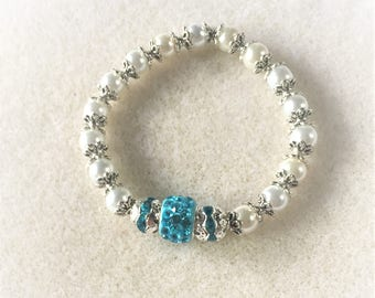 """""""Blue and white pearls"""" bracelet"""