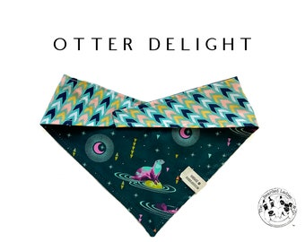 Otter Delight : Otters with Chevron Tie/On Reversible Dog Bandana