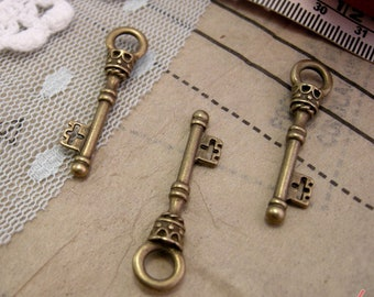 1 - Skeleton Key Charms, Antique Bronze, Small Victorian Key, Vintage Jewelry Supplies (BD121) DFLCHARM4