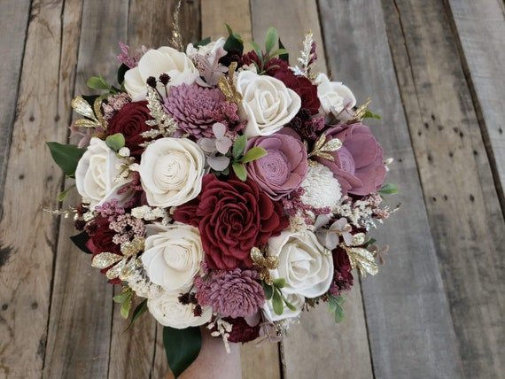 Wood Flower Bouquet with Gold Glitter Accent