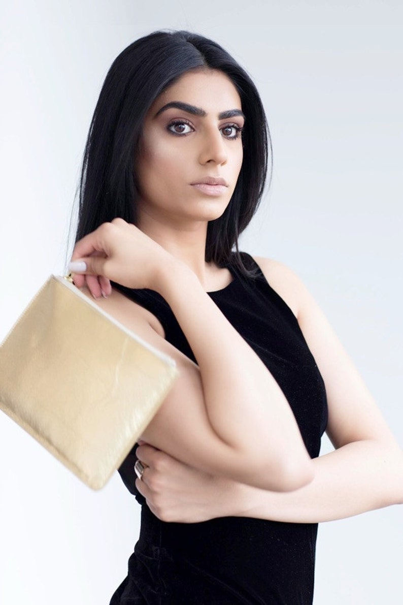 Metallic Gold Rectangle Clutch Bag With Gold Zip Day    6ce76143e3804