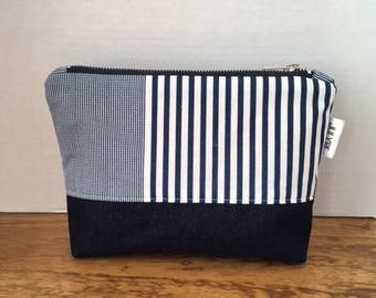cosmetic bag, pouch bag, toiletry articles, women little bag, makeup bag, zipper wallet, toilety bag in nautic print navy and white