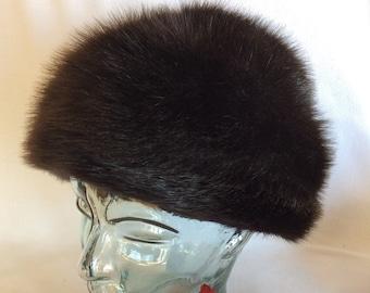 d58e182018169 Vintage dark brown fur winter hat size 21 raccoon or beaver fur