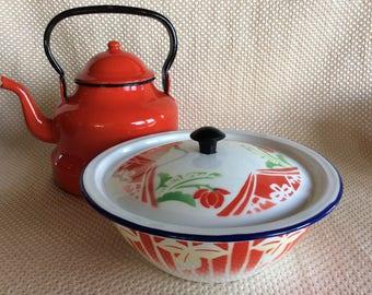 Vintage Kitchen enamel metal cooking casserole or covered dish
