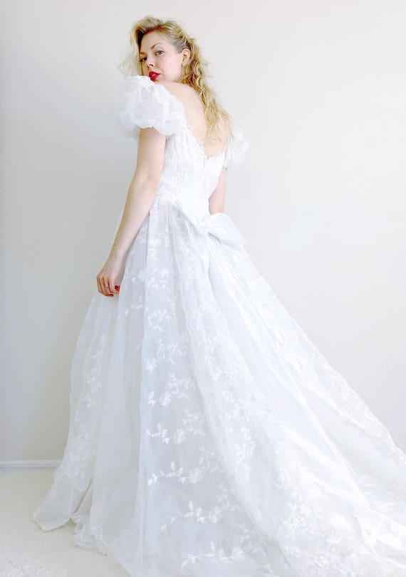 Vintage Hochzeitskleid aus der Schulter weißen Brautkleid