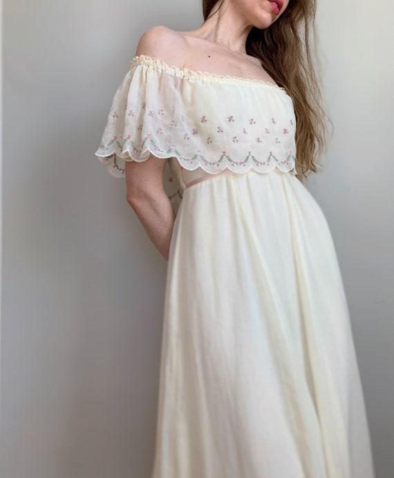 Vintage off-the-shoulder Gunne Sax dress | cream p