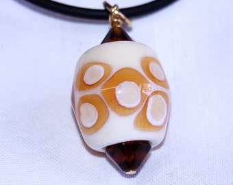 Lampwork pendant (or keyring) - Barrel bead - amber and ivory glass - 1970's inspired - SRA