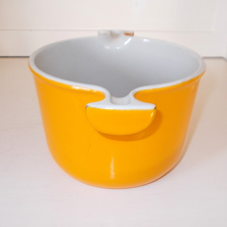 Mid Century French Kitchen Cookware Le Creuset Saucepan Enameled Heavy Cast Iron Tall Pot Yellowy Orange /& beige interior Size 16 cm