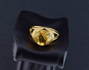 Vintage 1950's 14K Yellow Gold Yellow citrine ring, Size 10