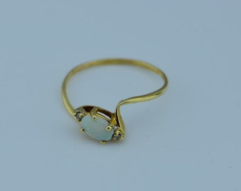 14K Yellow Gold Opal and Diamond Chip Ring, Size 6