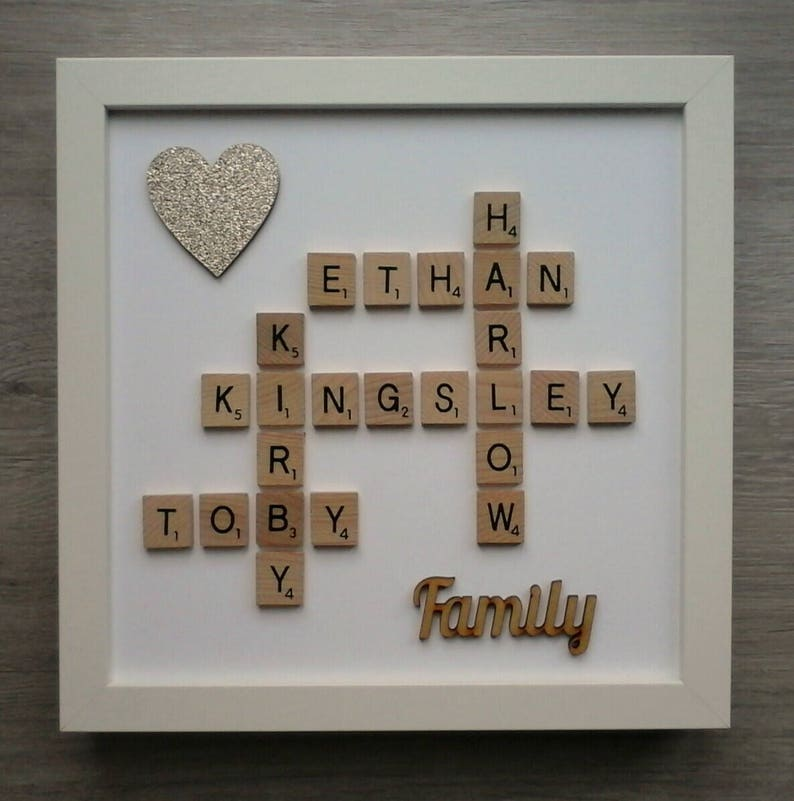 Plastic//Wooden Scrabble Art Picture Frame Heart Personalised 7 Names//Words a