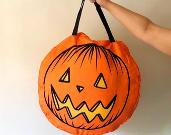 Giant Jack O Lantern Round Zip Up Halloween Tote-Oversized and great for travel
