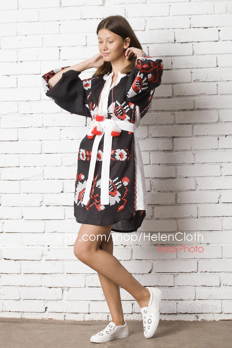 d93a3a2078 Vyshyvanka Embroidered Tunic In Bohemian Style Mexican